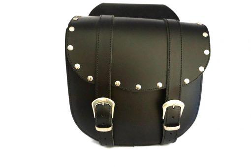 Set motortassen, zwart leder met dubbele gesp en siernagels